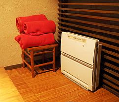 個室の設備 空気清浄機&ブランケット